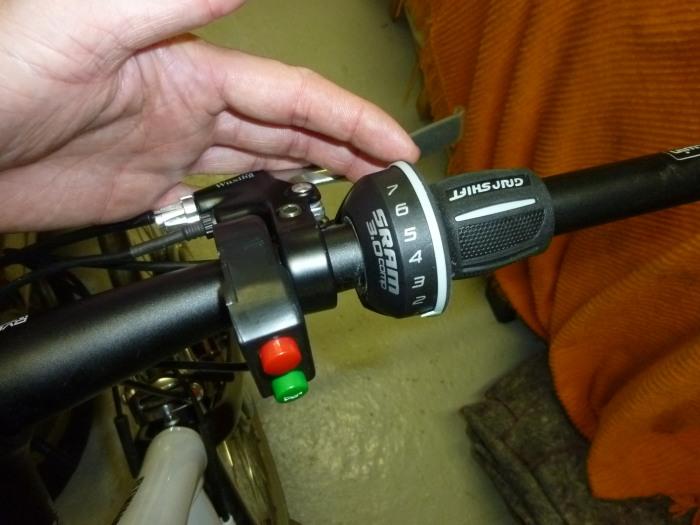 montage roue vélo électrique moteur